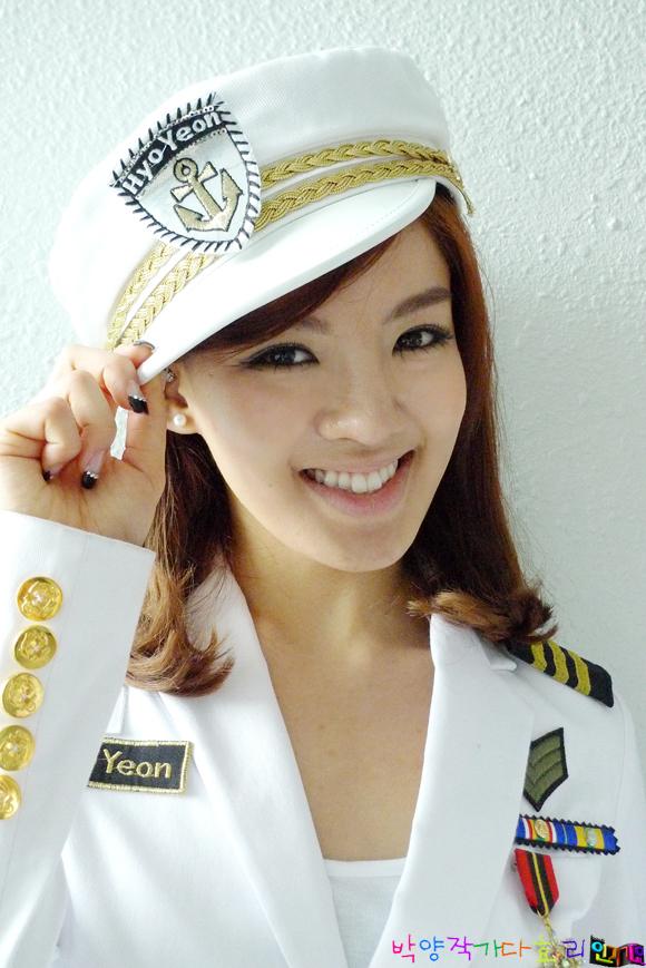 http://www.girlsgen.com/gallery/plog-content/images/hyoyeon/hyoyeon-photos-1/snsd-hyoyeon-0042.jpg