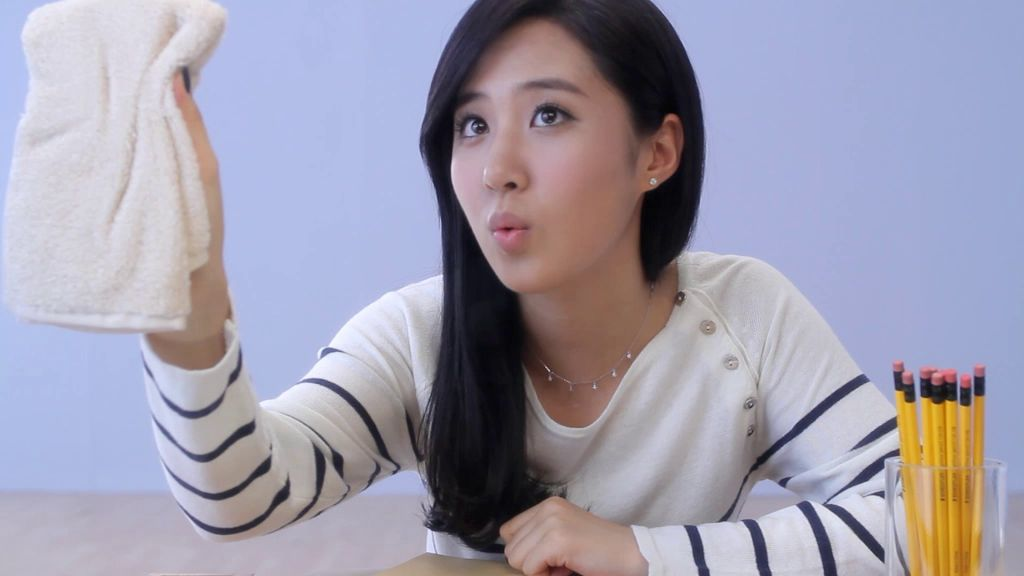 image Yuri kwon genie dance cum tribute